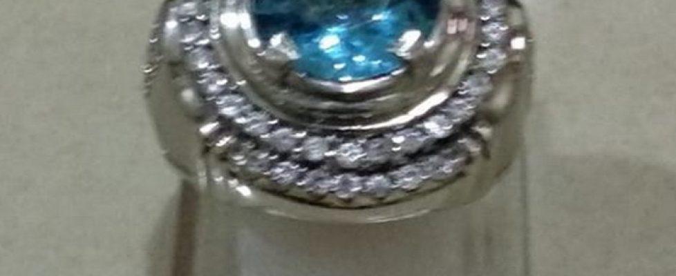 Cincin Batu Swiss Blue Topaz
